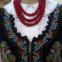 Polónia - O colete é ricamente bordado com missangas