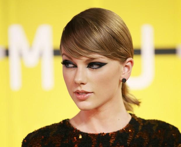 Taylor Swift doa um milhão de dólares para apoiar vítimas das cheias no Louisiana