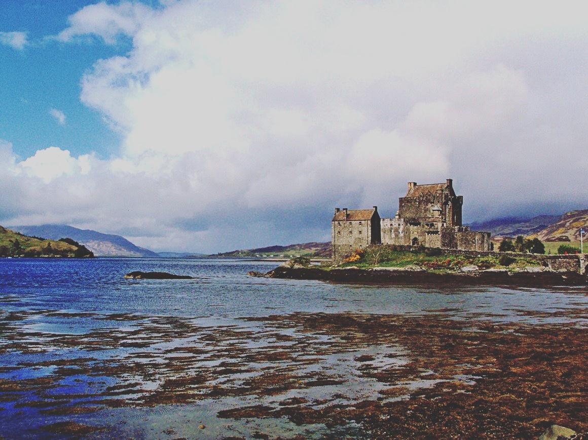 Carina Leal (@acarinaleal) leva-nos à Escócia.