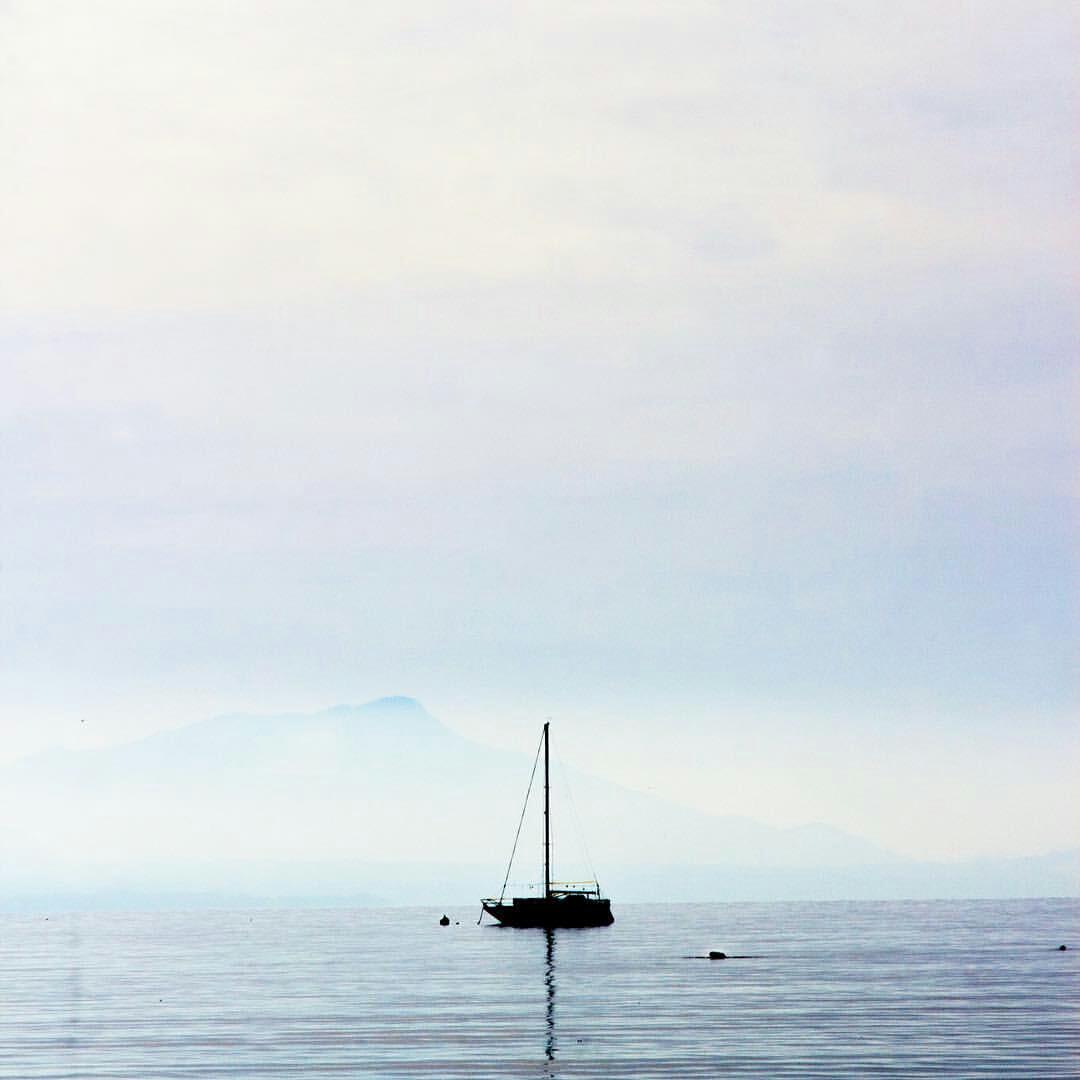 Plenitude à beira do lago de Ouchy, Lausana (Suíça). O olhar da fotógrafa Daniela Filipa (@framesinyourmind):