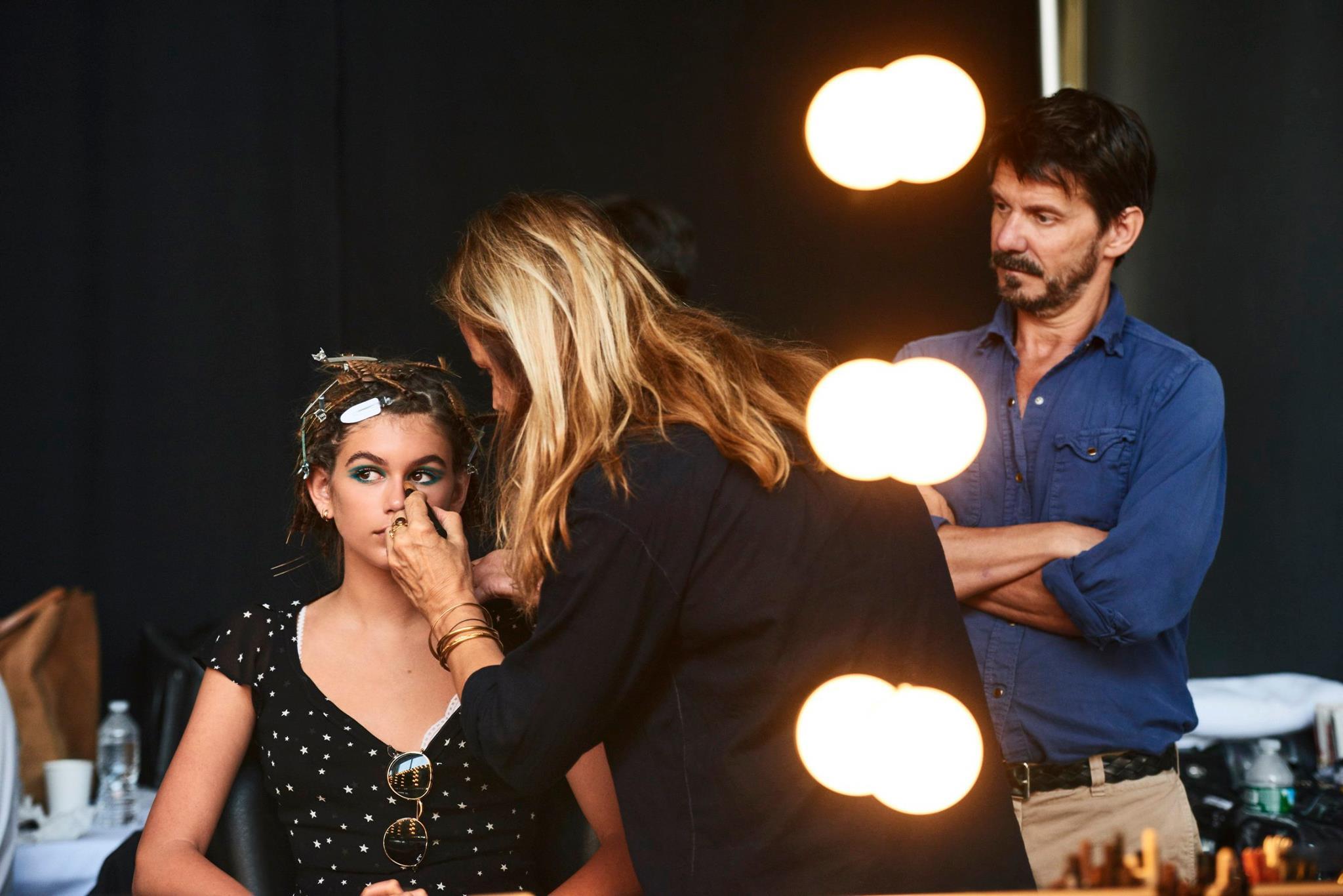 Kaia Gerber é o novo rosto da Marc Jacobs Beauty