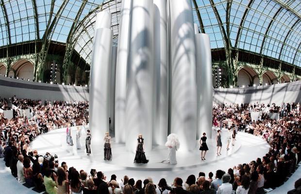 Desfiles parisienses de alta-costura: seis novas casas de moda no calendário