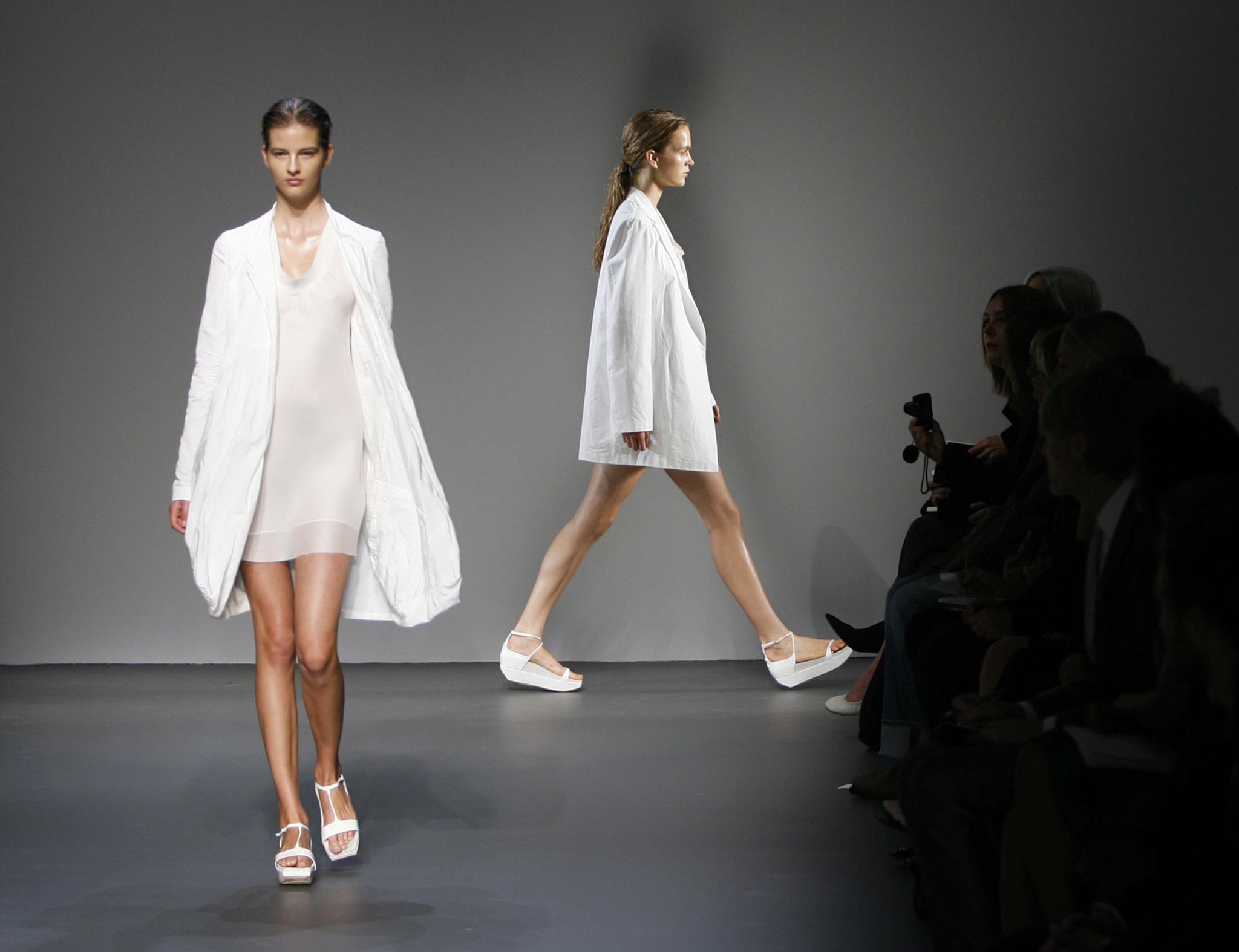 Calvin Klein junta colecções de homem e mulher no mesmo desfile