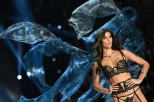 A portuguesa Sara Sampaio voltou a ser um anjo da Victoria's Secret