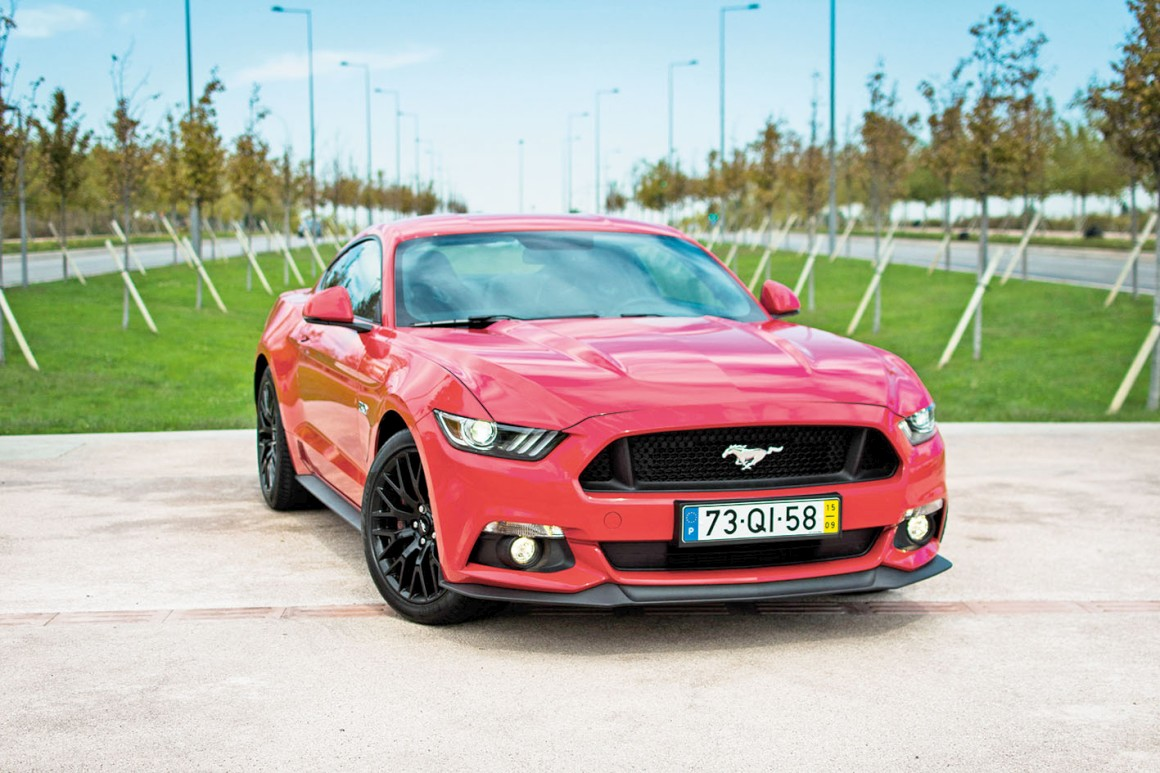 Ford anuncia aposta nos veículos eléctricos e autónomos