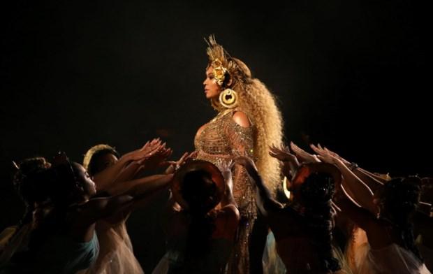 Beyoncé vestida por Peter Dundas