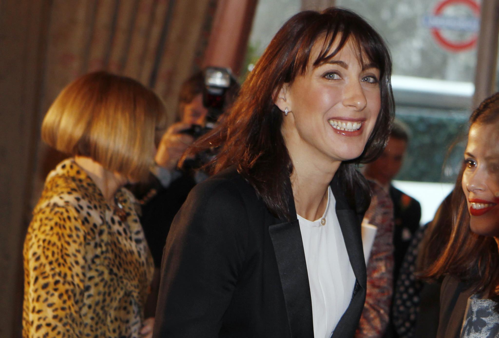 Mulher de David Cameron lança marca de roupa