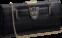 Mala Panthère de Cartier, em pele de crocodilo, com símbolo de pantera e fecho banhado a ouro, da Cartier (10.300 euros)