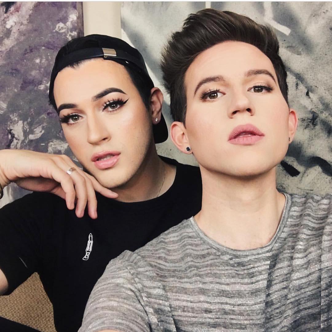 São rapazes, usam maquilhagem e conquistam as marcas de cosmética