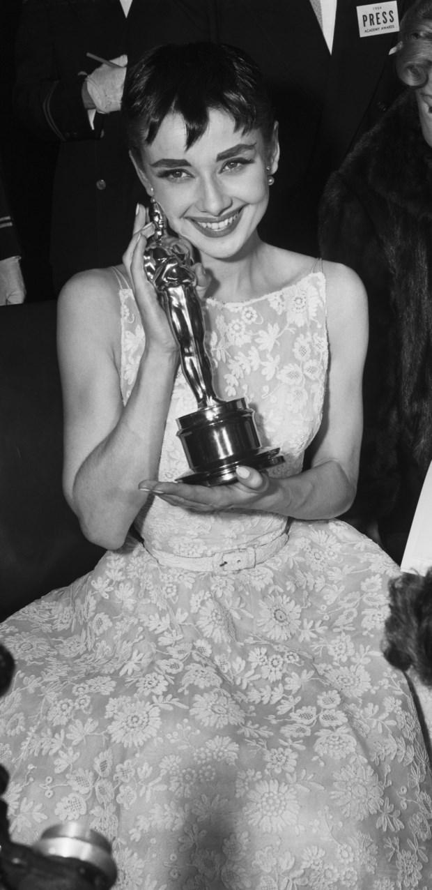Audrey Hepburn durante a cerimónia dos Óscares