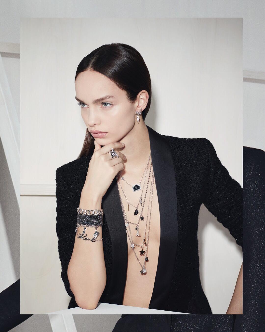 """Karl Lagerfeld mostra """"preview"""" da colecção com Swarovski"""