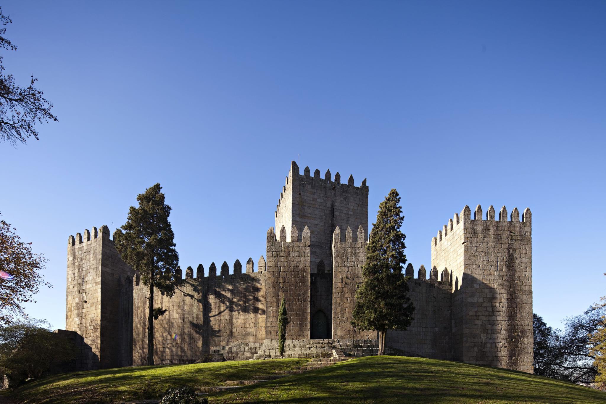 No Dia Internacional dos Monumentos e Sítios, o Castelo de Guimarães está marcado um Encontro com D. Afonso Henriques.