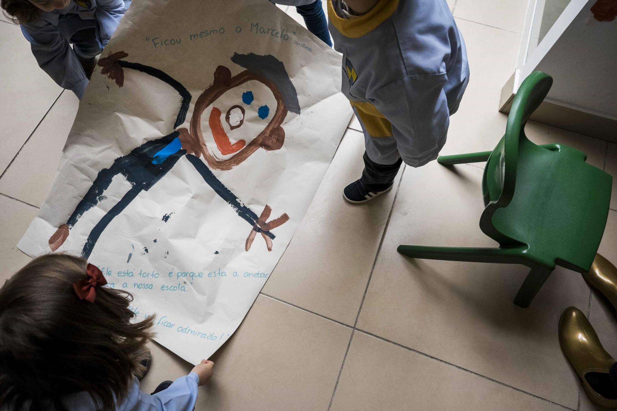 Como fazer com que as obras de arte do seu filho durem para sempre