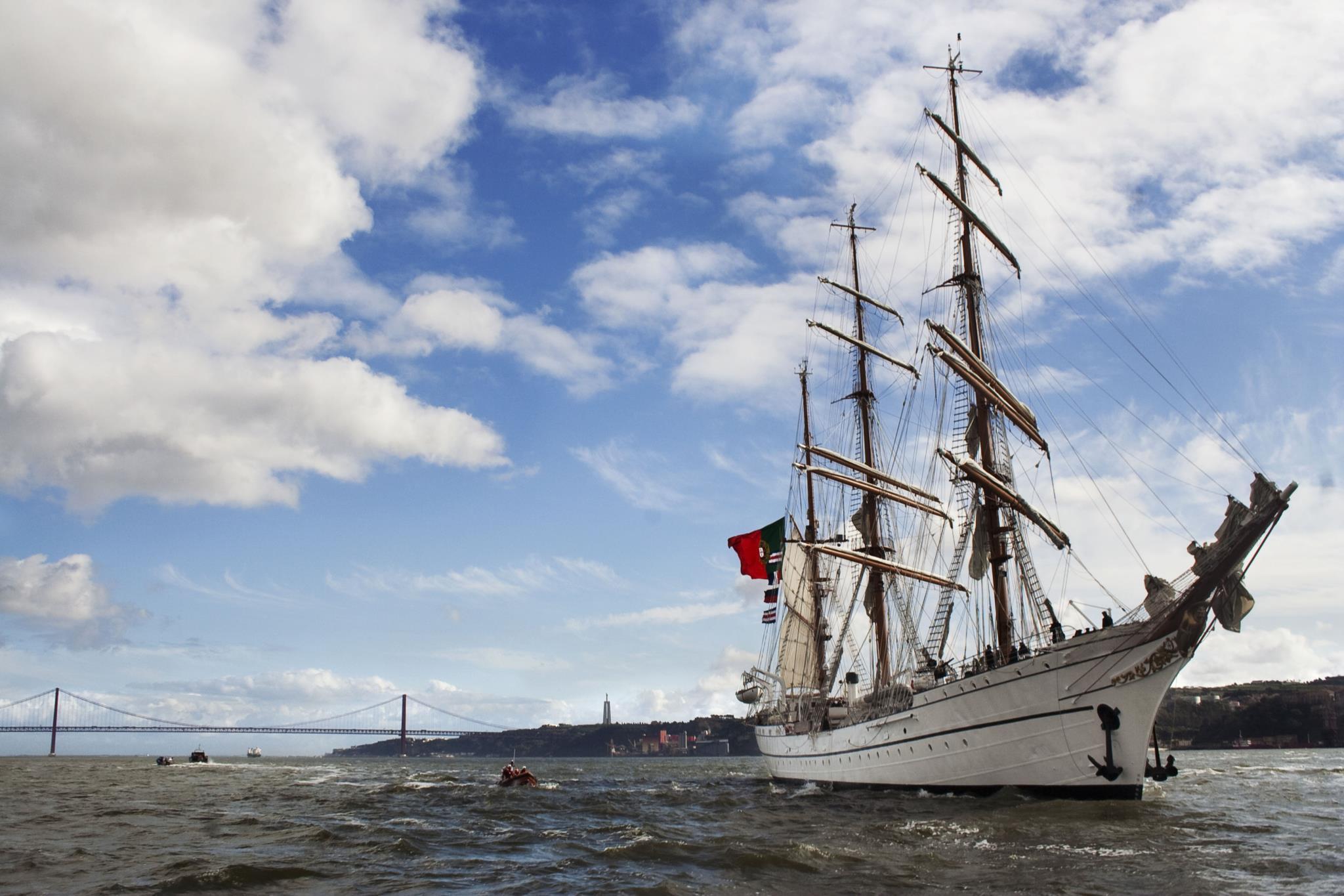 O navio-escola Sagres é uma das embarcações abertas a visitas durante a escala da Rendez-Vous 2017 Tall Ships Regatta em Sines