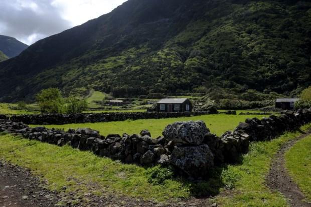 É recomendada uma visita à ilha de São Jorge