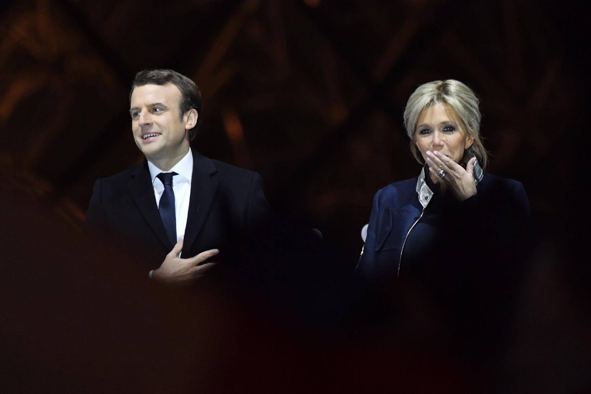 Porque é que diferença de idade de Macron e Trogneux é tema de conversa?