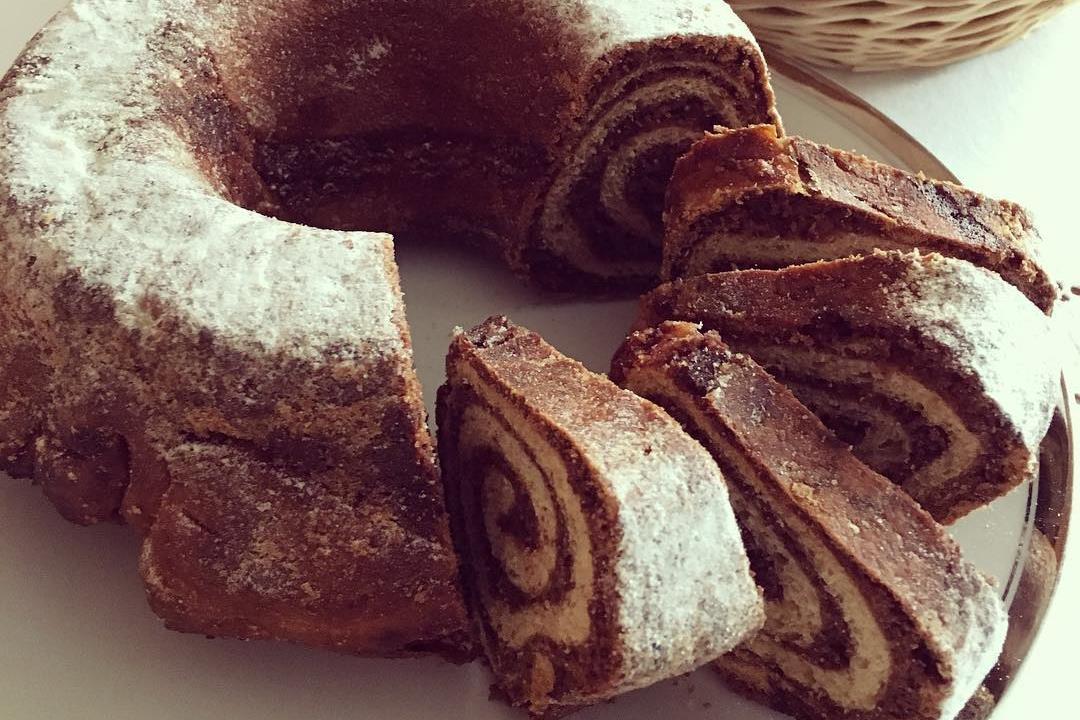 Potica é um bolo de nozes, tradicional da Eslovénia