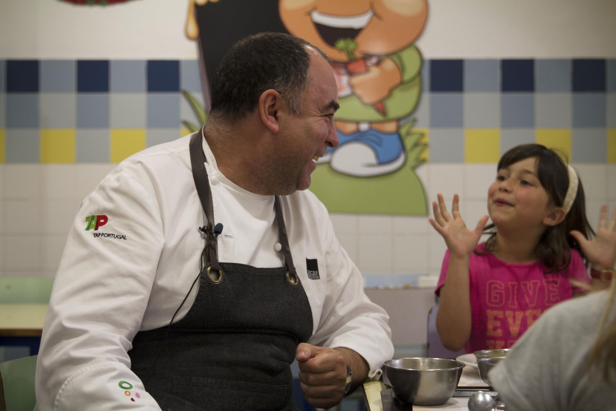 O chef Vítor Sobral preparou o almoço para 350 crianças