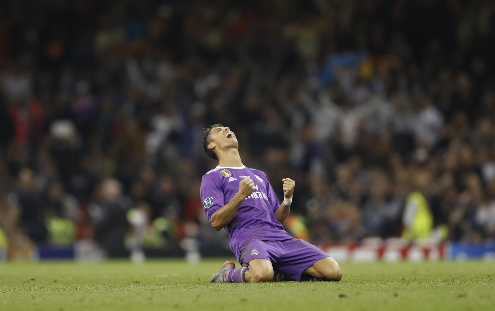 Cristiano Ronaldo (Futebol): 82,6 milhões de euros
