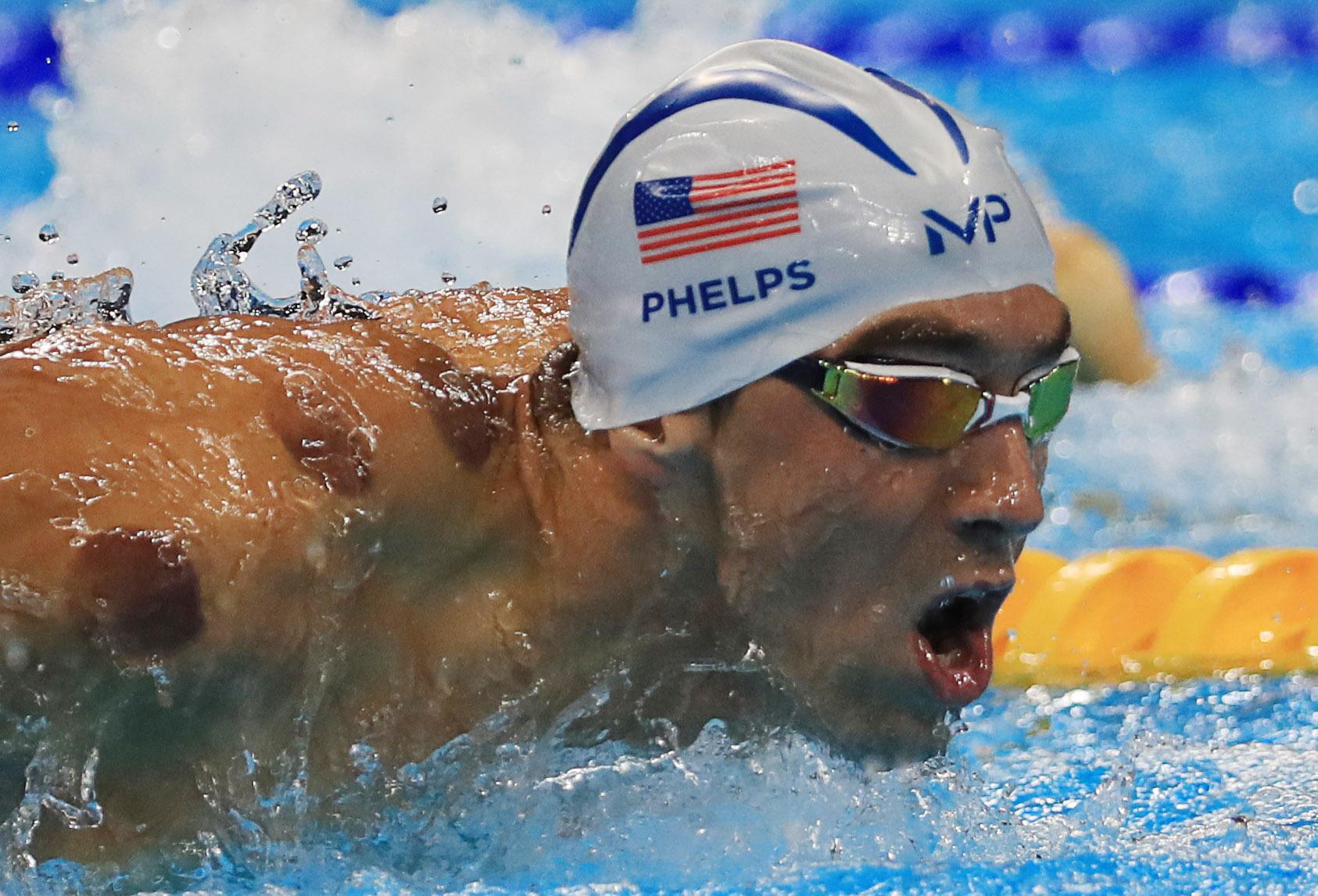 Irá Phelps nadar mariposa contra o tubarão?