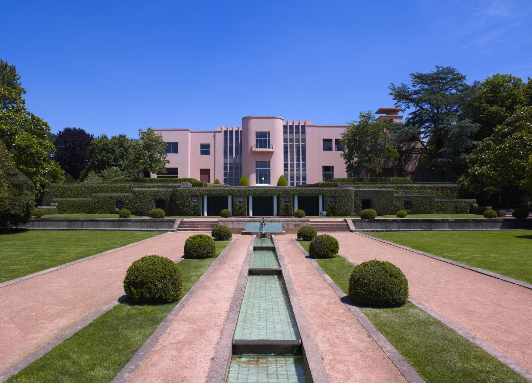 A Casa de Serralves  foi o objecto de inspiração para Alcino
