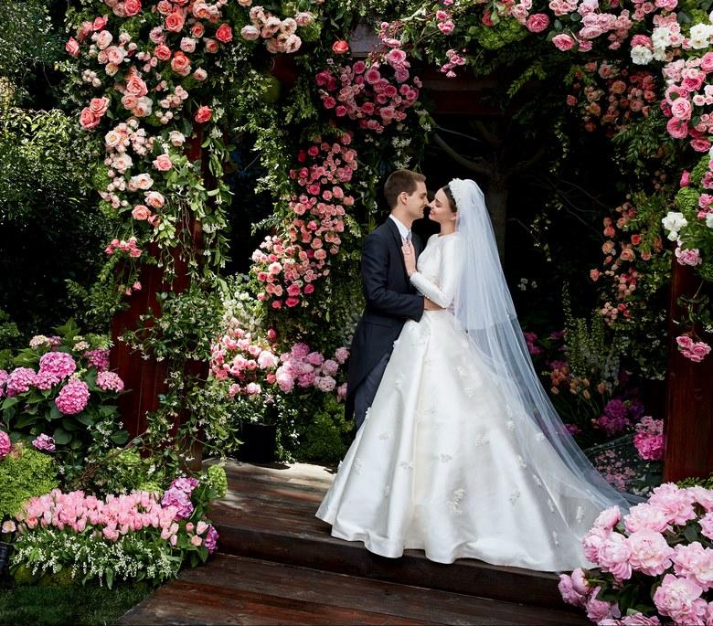 Miranda Kerr casou em Maio mas só agora conhecemos o seu vestido