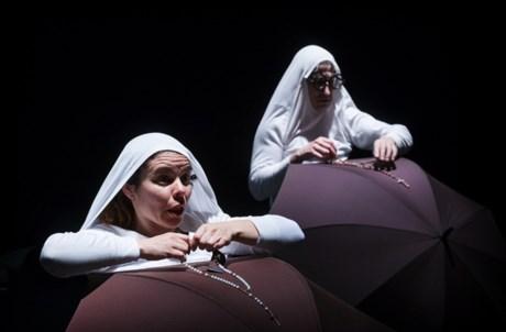 A Peripécia Teatro apresenta-se com