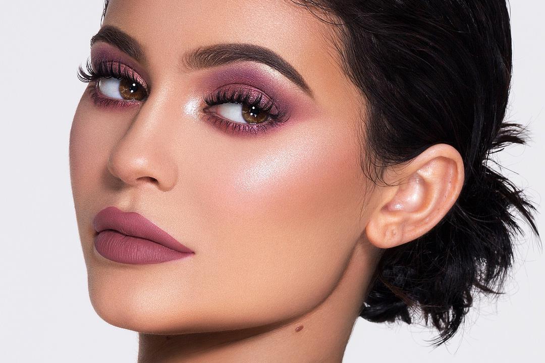 Kylie Cosmetics a caminho dos 1000 milhões de dólares em cinco anos