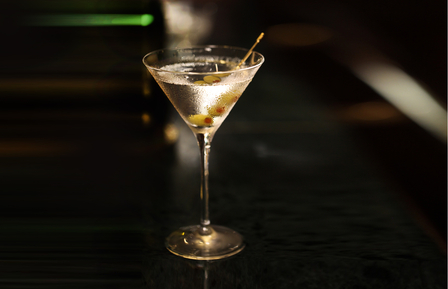Não há nada como um Dry Martini feito à medida. Quanto mais polémico e individual, melhor