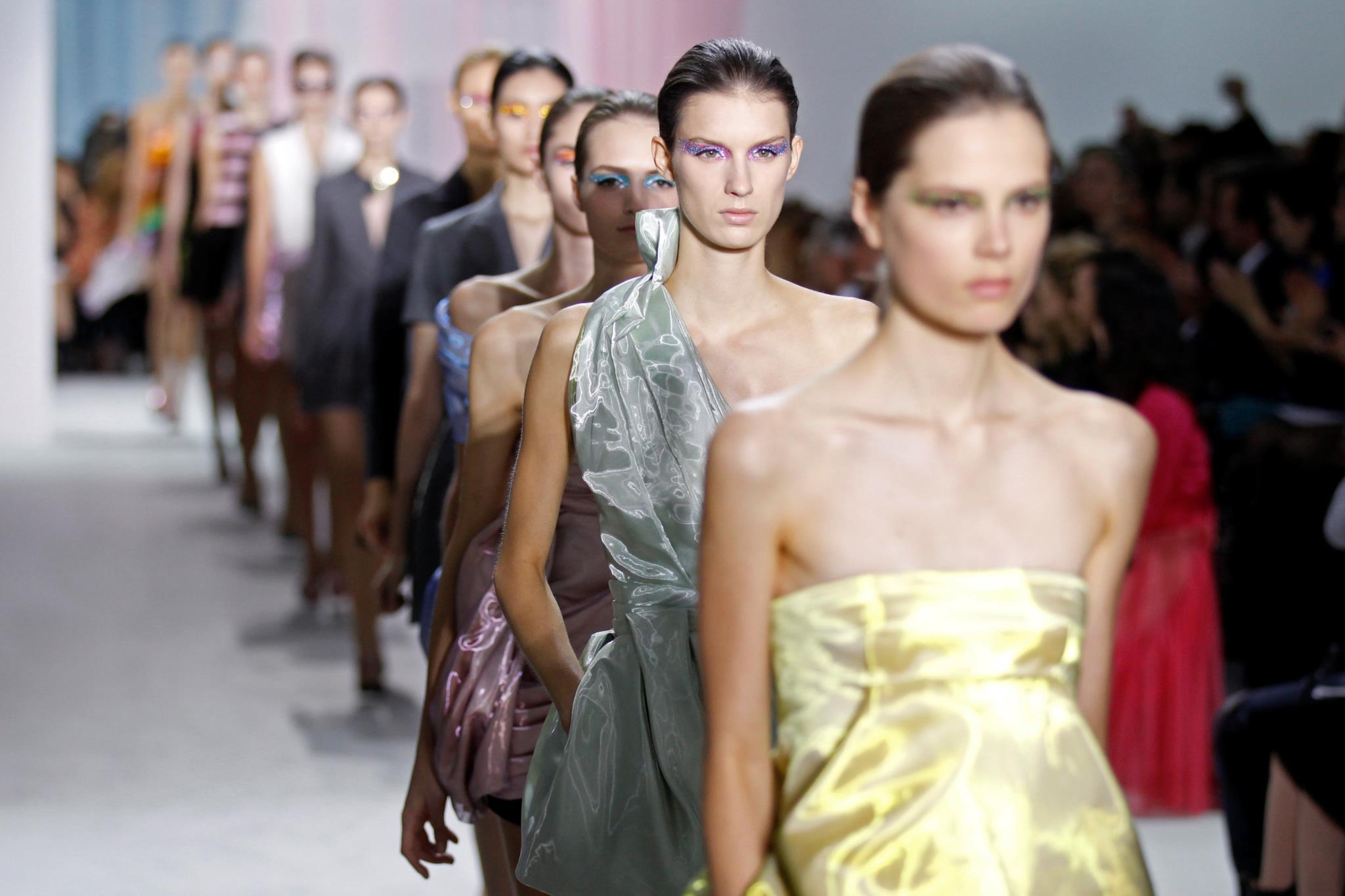 LVMH e Kering vão deixar de contratar modelos demasiado magras