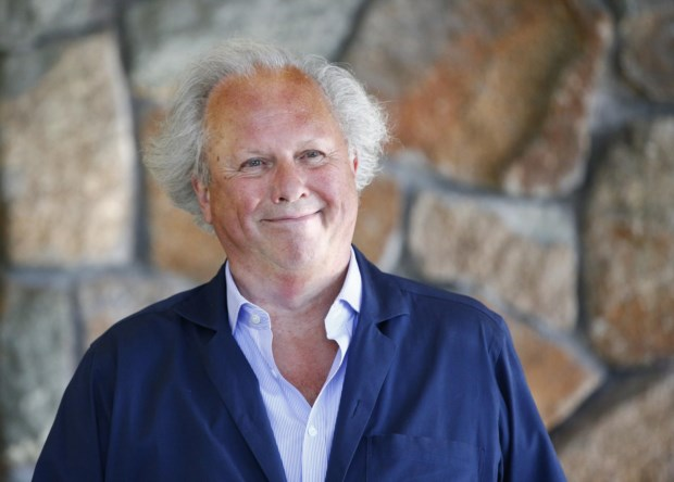 Graydon Carter steps down as editor-in-chief of Vanity Fair