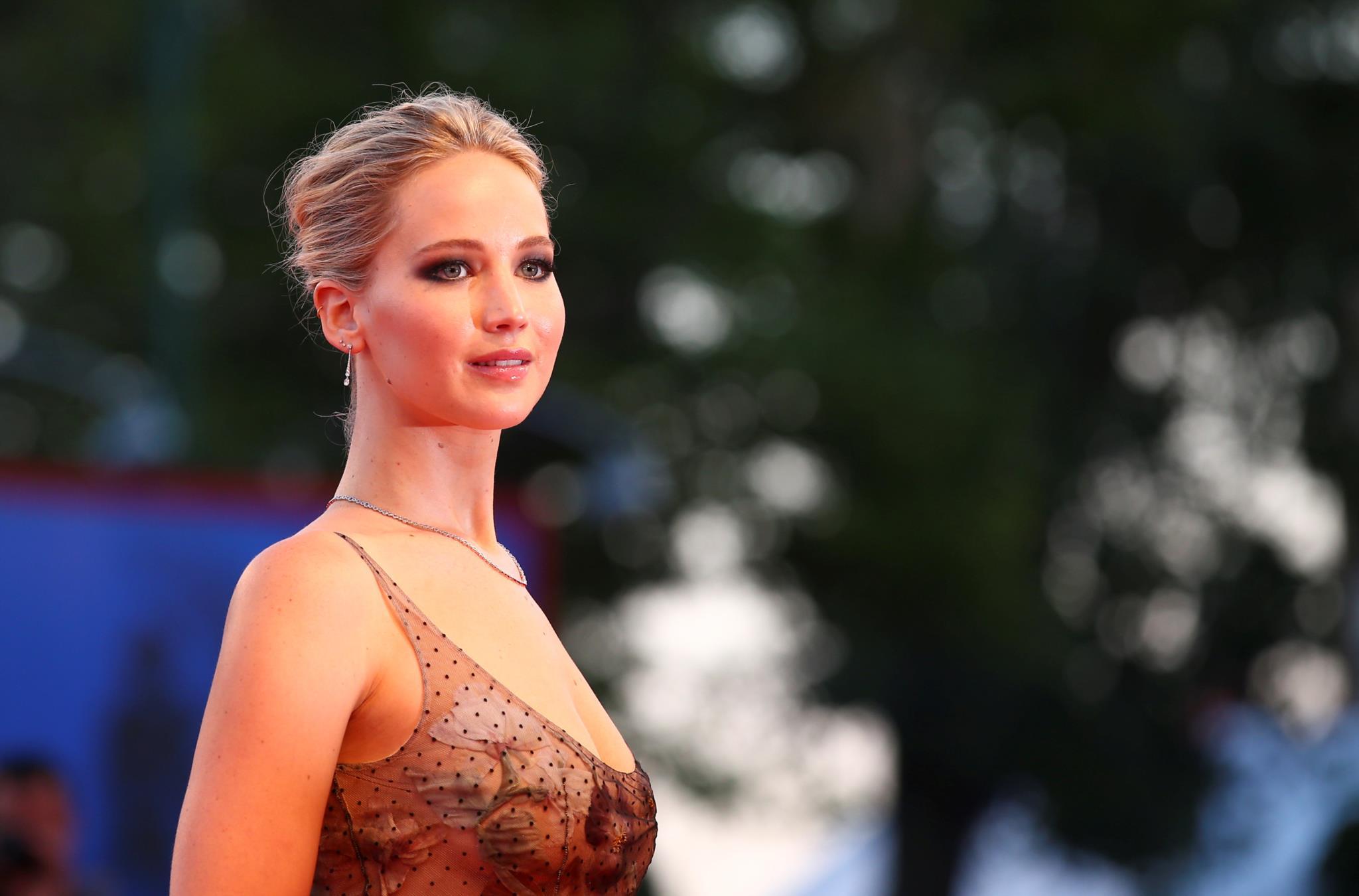 A actriz americana Jennifer Lawrence, em Dior