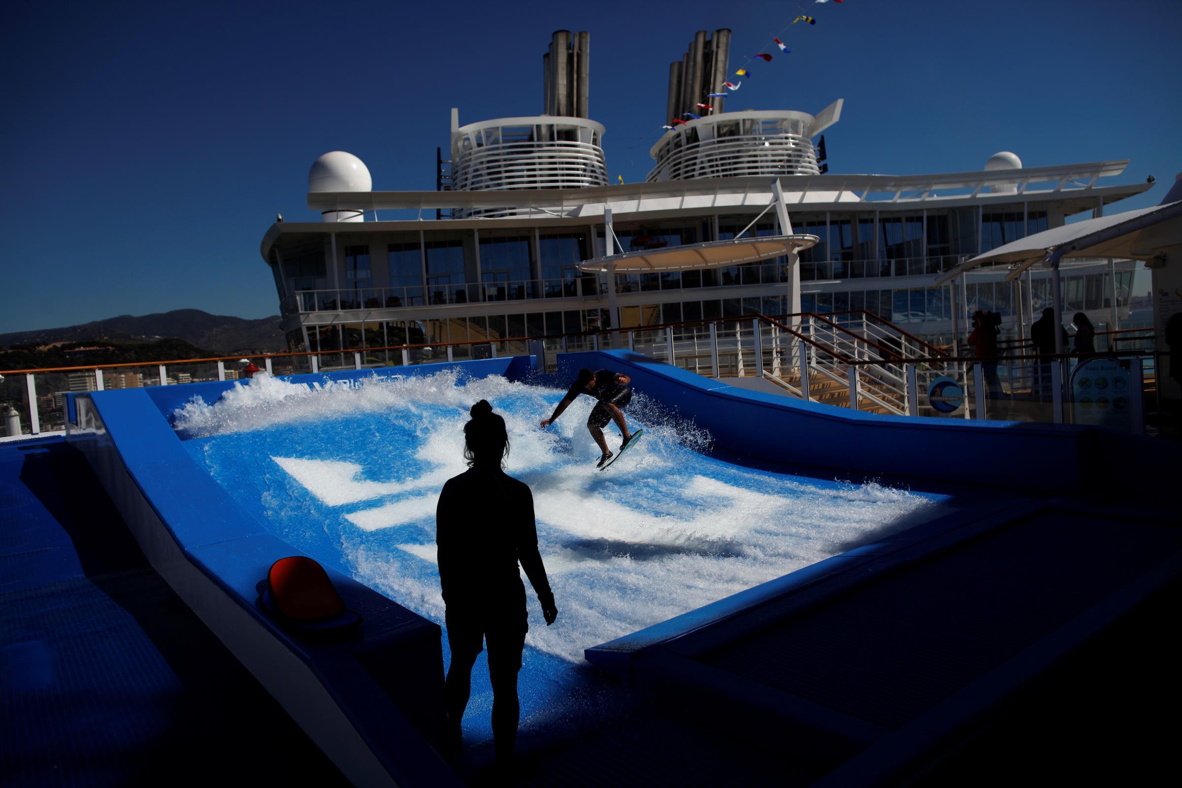 Senhores passageiros, eis o maior barco de cruzeiros do mundo