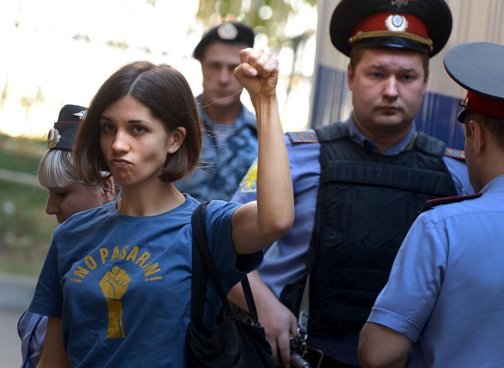 """""""""""O nosso lugar é em liberdade e não atrás das grades"""", disse Nadezhda Tolokonnikova"""