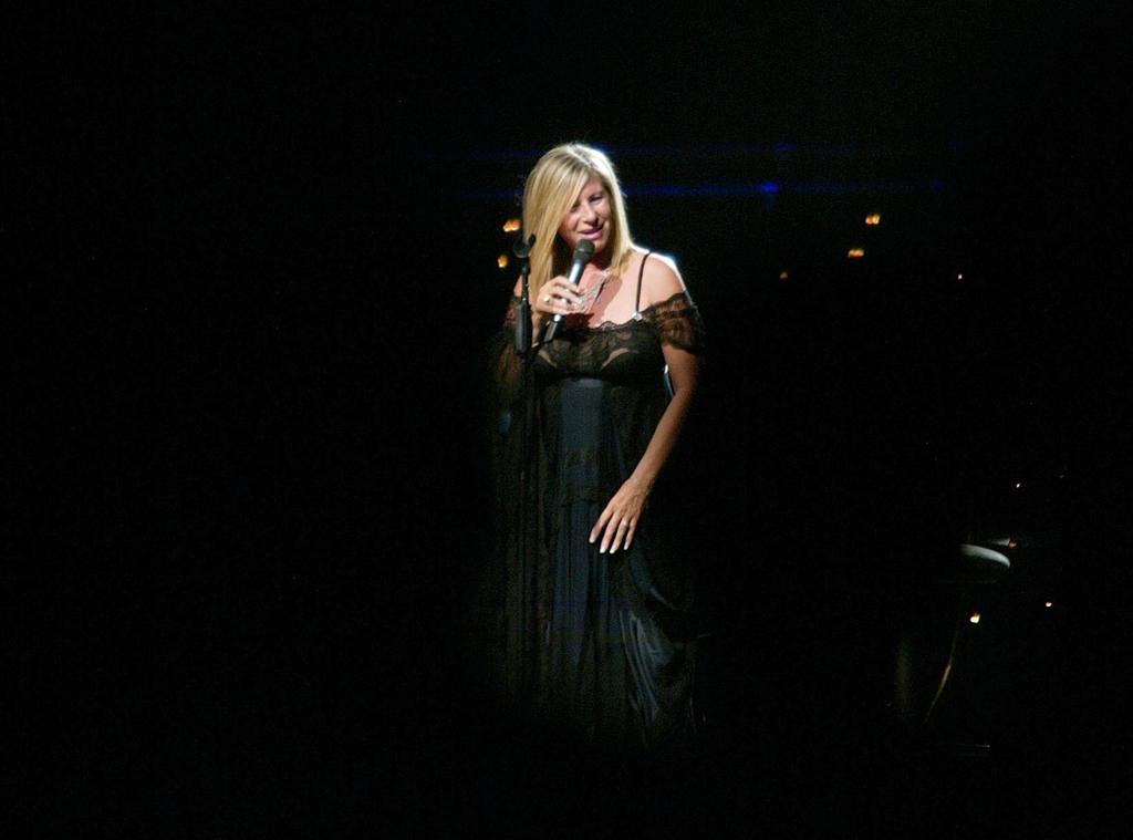 Barbra Streisand, de 70 anos, prepara concertos nos Estados Unidos e no Canadá para Outubro