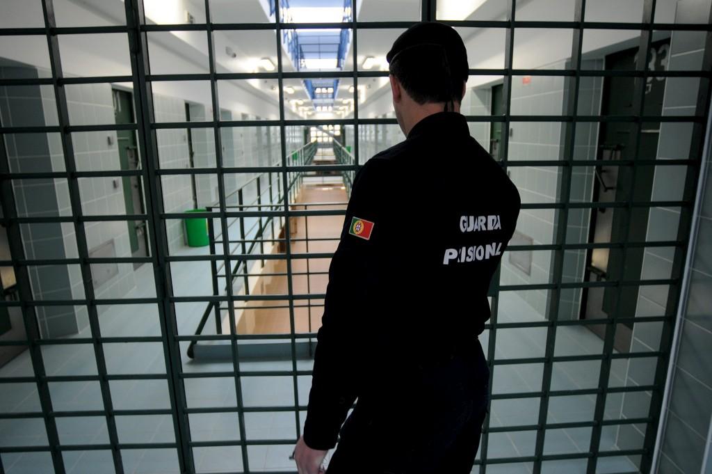 Suspeitos têm antecedentes criminais e estavam a ser procurados noutros tribunais