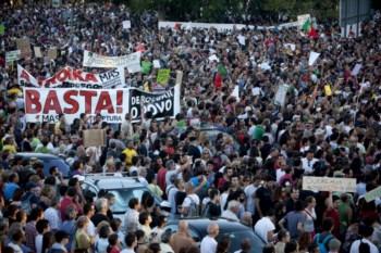 Faixas de protesto na manifestação em Lisboa