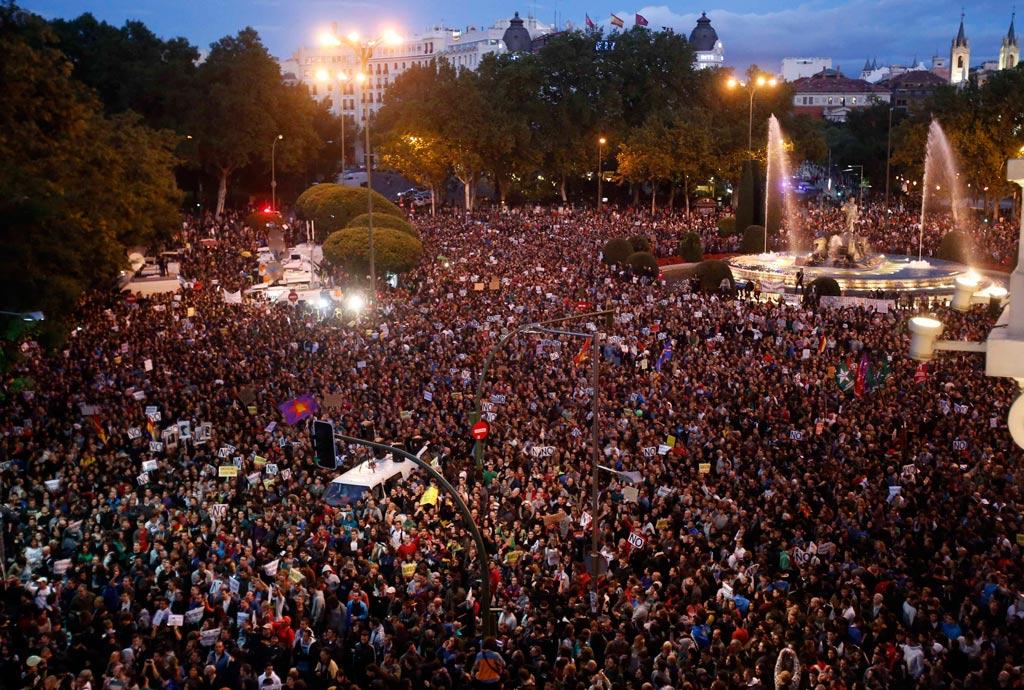 Manifestantes cercam congresso pela terceira vez esta semana