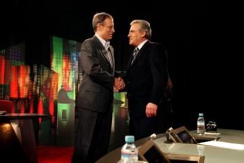Jerónimo e Louçã dão as mãos em debate na TV em 2005: agora é a sério