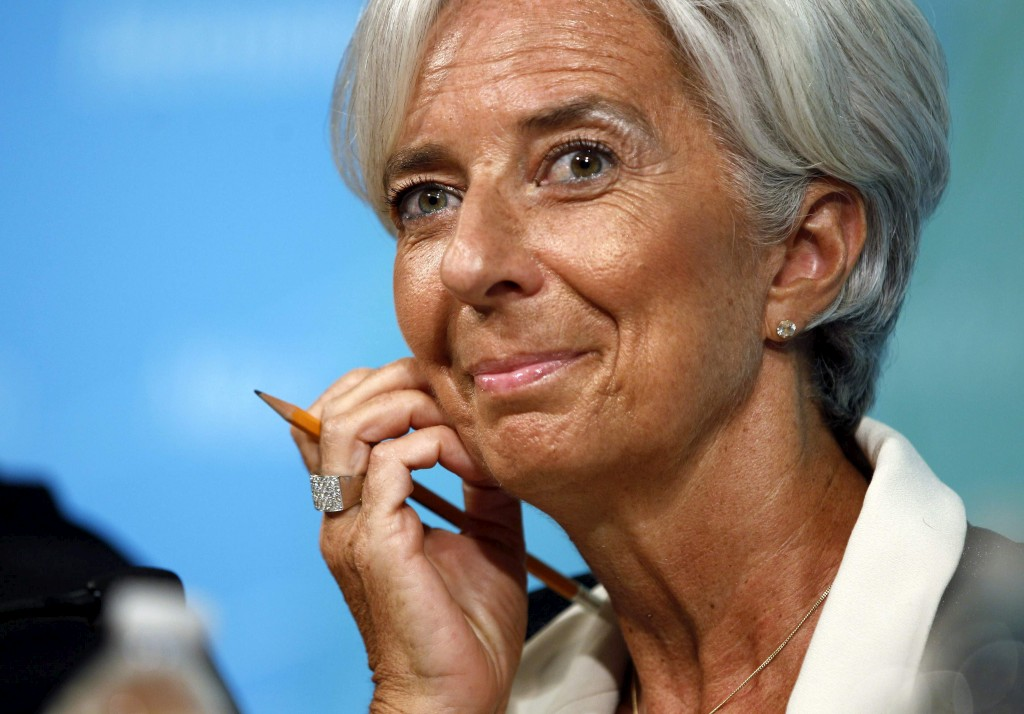 <p>O FMI, liderado por Christine Lagarde, reviu em baixa a previsão de crescimento mundial</p>