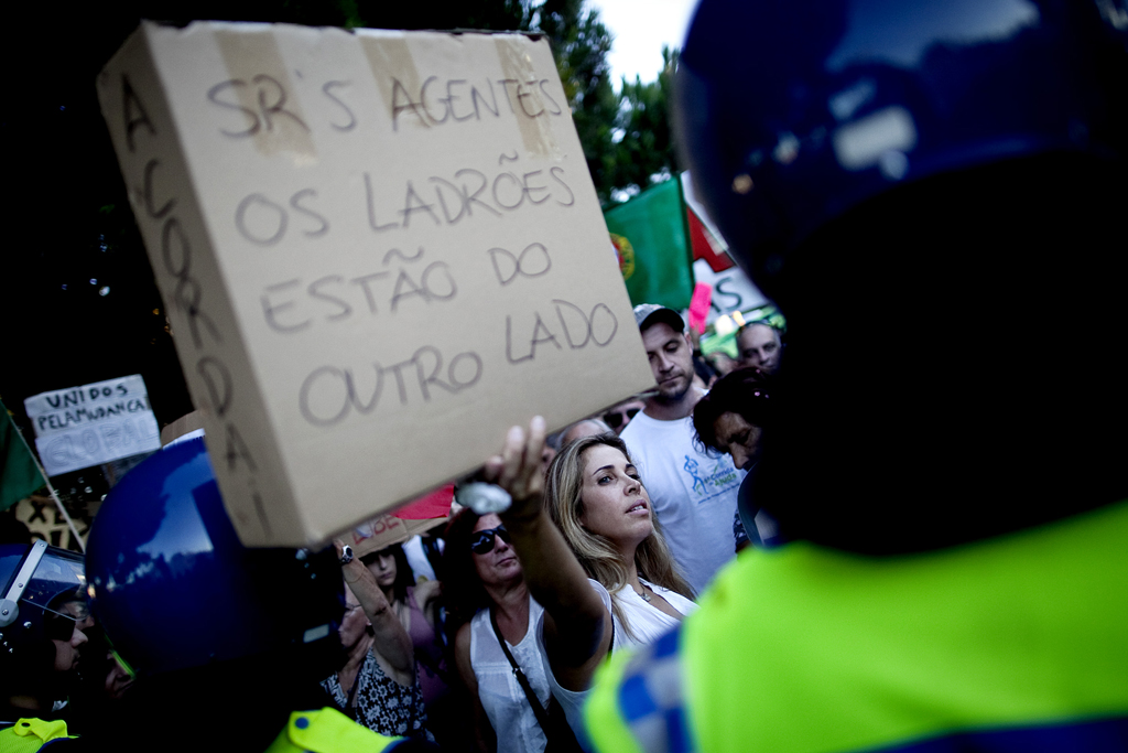 """Vigília em Belém e """"manif"""" da CGTP registadas em vídeo pela PSP"""