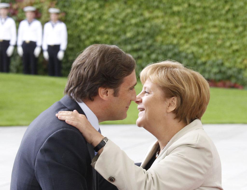 Merkel e Passos durante um encontro em Berlim em Setembro de 2011