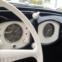 1951 Volkswagen Beetle Split-Window. O Carocha foi um dos modelos mais vendidos de sempre (mais de 21 milhões de unidades), surgindo aqui na cobiçada versão Split Window. €40.000 - €60.000
