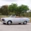 1958 Peugeot 403 Cabriolet. O actor. O Peugeot 403 Cabriolet foi estrela da série Columbo, sendo conduzido pelo próprio detective a quem Peter Falk dava vida. Desenhado por Pininfarina, era movido por um motor de quatro cilindros de 1468 cc. €20.000 - €30.000