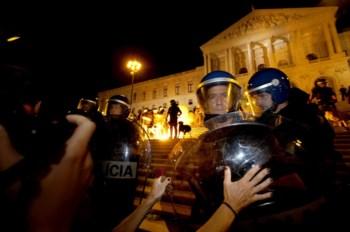 Entre inquiridos de 16 países europeus os portugueses são os que mais confiam nas forças de segurança