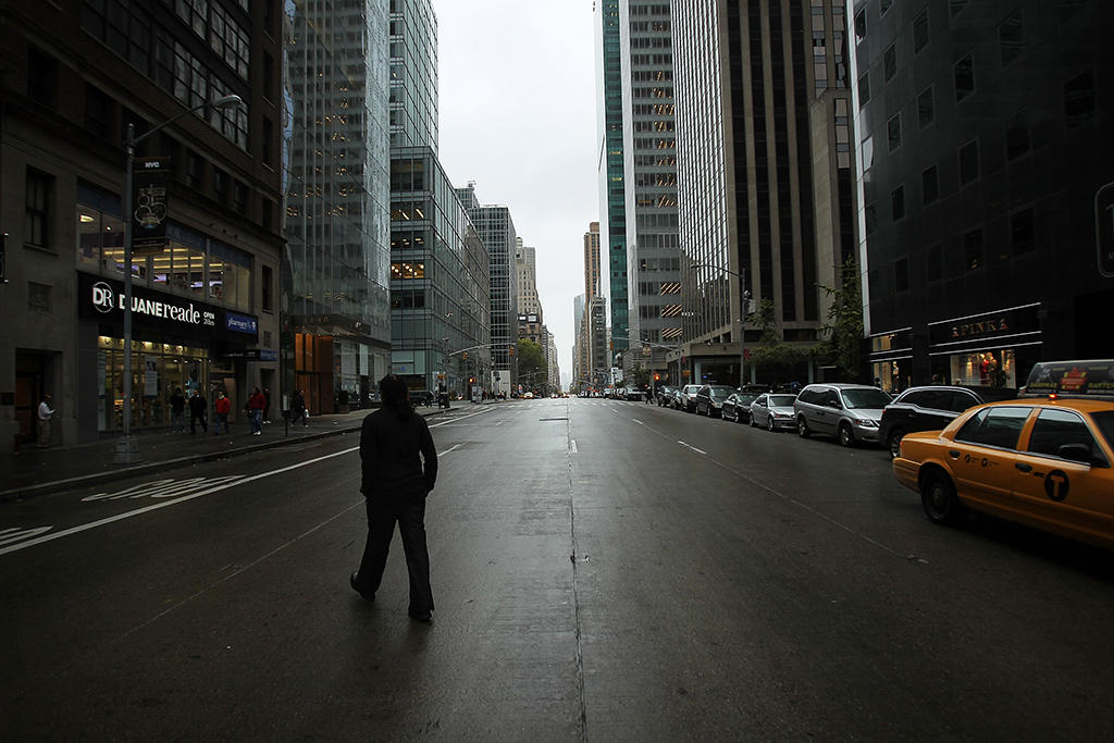 Manhattan vazia, horas antes da chegada do furacão<b>Foto: Spencer Platt/Getty Images/AFP</b>