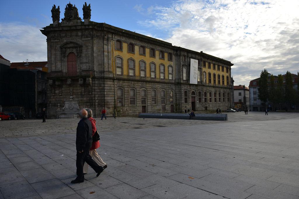 A praceta frente à Cadeia da Relação, onde Camilo esteve preso, vai chamar-se Largo do Amor de Perdição