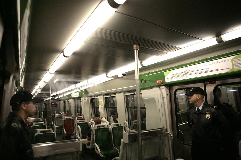 Só os elementos em patrulha é que vão poder usar gratuitamente os transportes públicos
