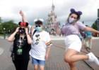 Mickey. Minie e as máscaras: Disneyland Paris reabre, quatro meses depois