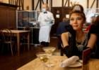 Comer com Audrey Hepburn? Steakhouse de Nova Iorque ocupa os lugares vazios com manequins de celebridades